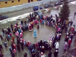"""Праздник Нового года 27-12-2009 в ЖК """"Дубки"""" (ну-ка дети встаньте в круг)"""