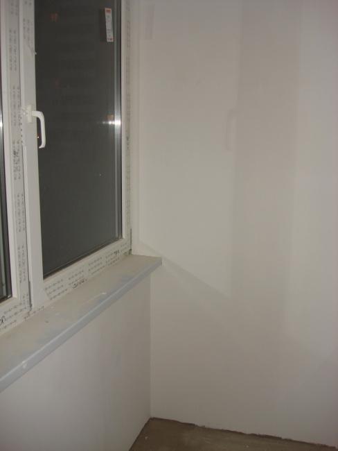 Балкон. Новая рама и часть стены