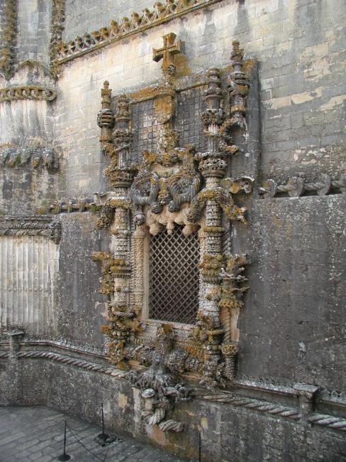Томар. Монастырь Христа. Окно.