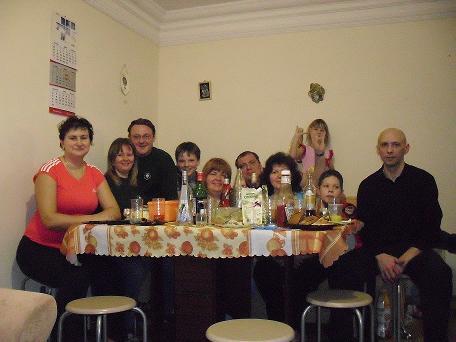 Поедание рождественского шашлыка