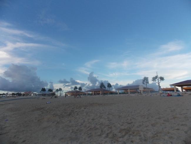 Городской пляж Томигусуку
