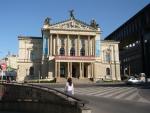 театр оперы в Праге