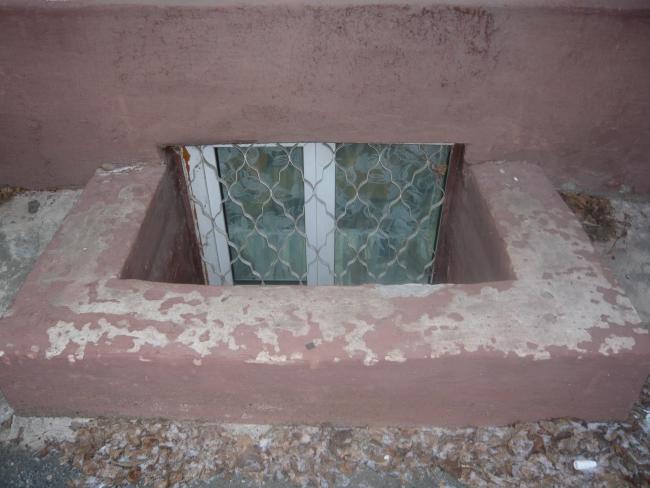 окно в актовый зал