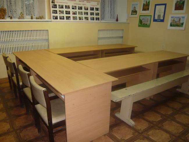 актовый зал, столы
