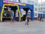 """Фрагмент-2 праздничного выступления в Дубковской школе """"Дружба"""""""