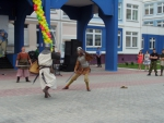 """Фрагмент-4 праздничного выступления в Дубковской СОШ """"Дружба"""""""