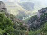 Канатная дорога ведущая в монастырь Монтсеррат в Каталонии