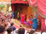 Детское представление в ПортАвентуре по мотивам Улицы Сезам