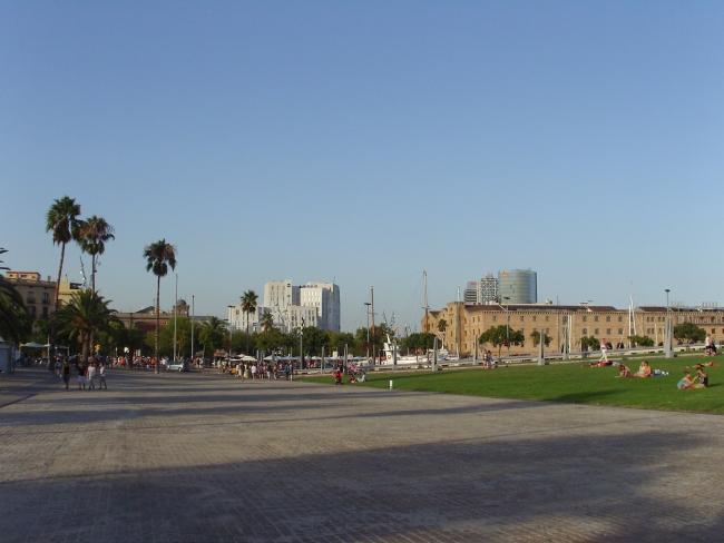 Барселона. Набережная площадь