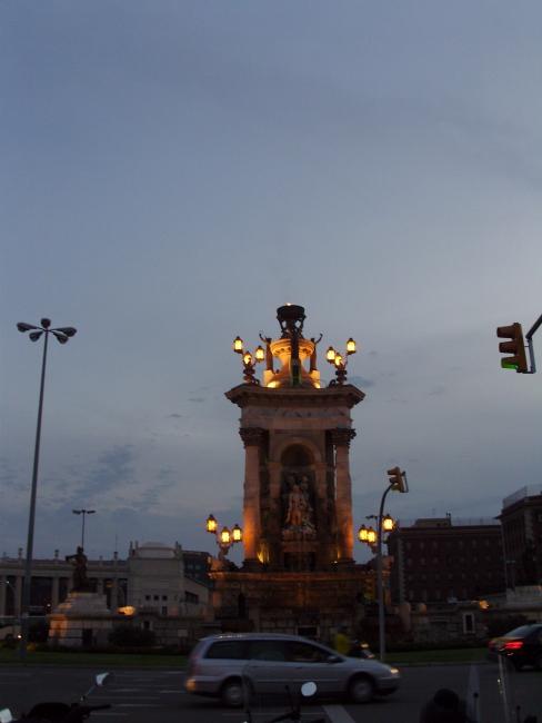 Барселона. Вечерняя площадь Испании
