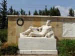 Фермопилы. 300 спартанцев. Памятник (левая часть)