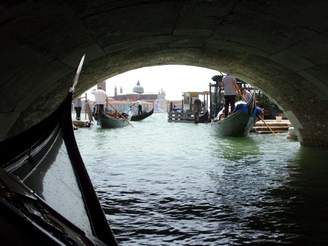 Взгляд из-под моста...
